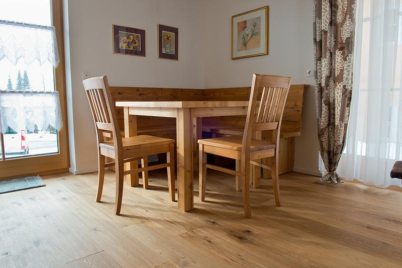 Eckschrank wohnzimmer modern inneneinrichtung und m bel for Wohnzimmer eckschrank
